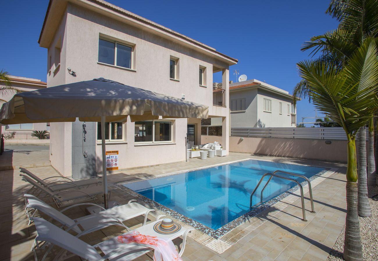Villa in Protaras - Protaras Villa Michelle 10