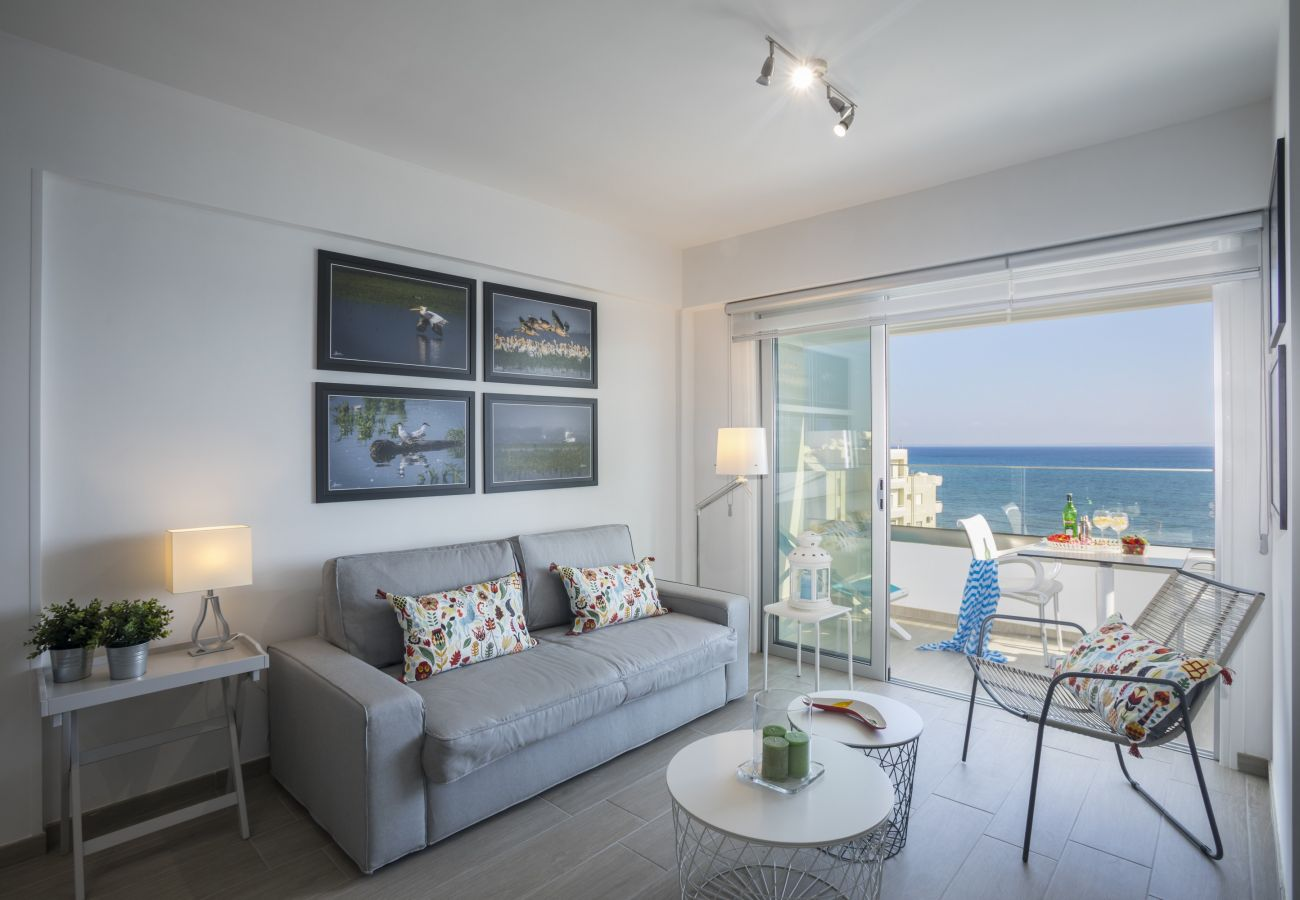 Apartment in Larnaca - Mackenzie Zoe Seafront Suite