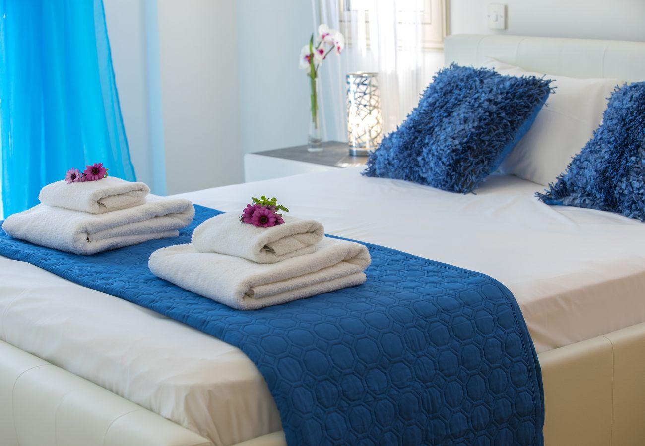 Villa in Larnaca - Mazotos Seaview Villa Iris