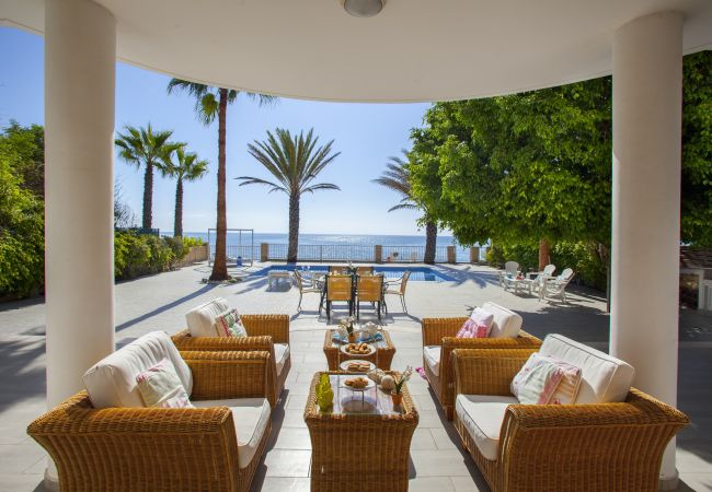 Villa/Dettached house in Larnaca - Sunset Beachfront Villa Meneou