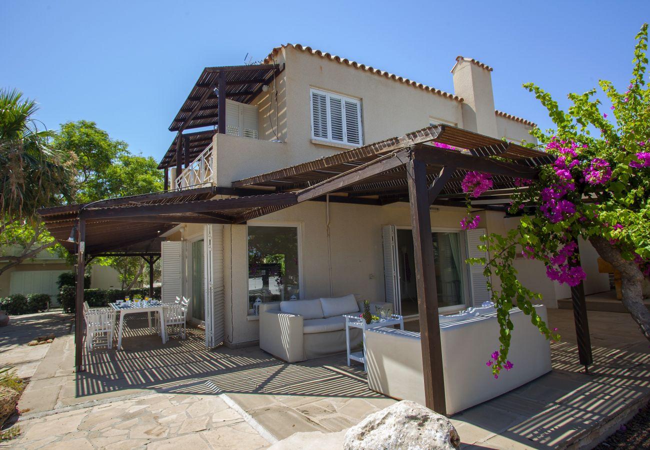 Villa in Ayia Napa - Ayia Napa Beachfront Villa