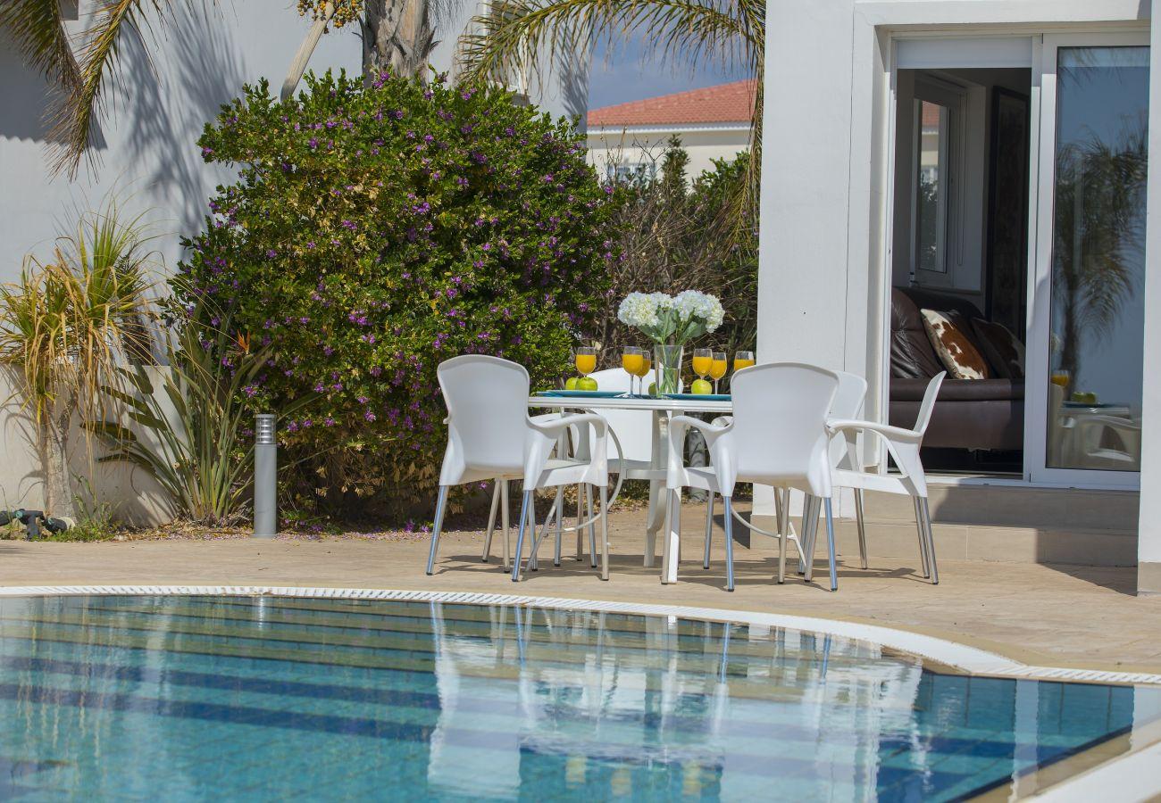 Villa in Ayia Napa - Villa Sunrise 11 With Sea View