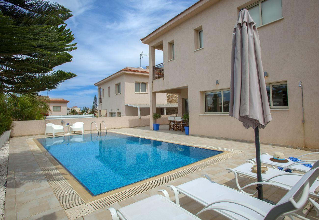 Villa in Protaras - Protaras Villa Michelle 2 With a Pool Fence