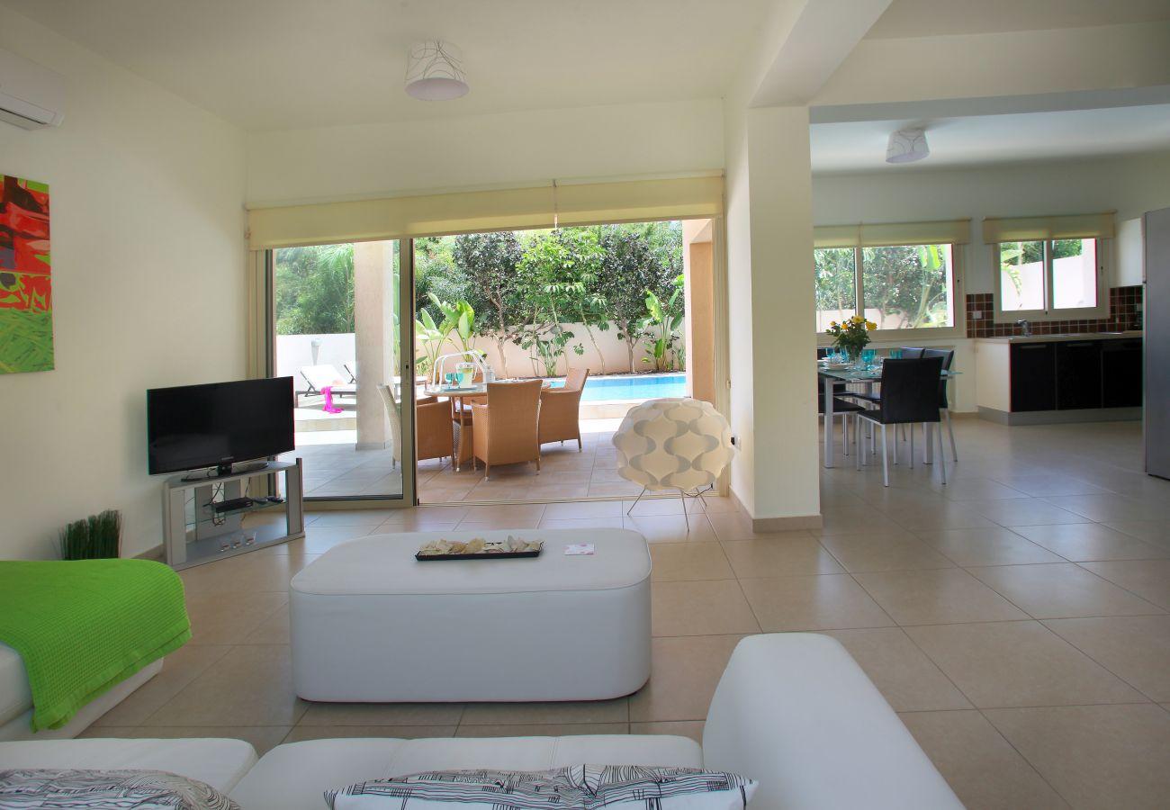 Villa in Protaras - Protaras Villa Michelle 8 Near The Beach