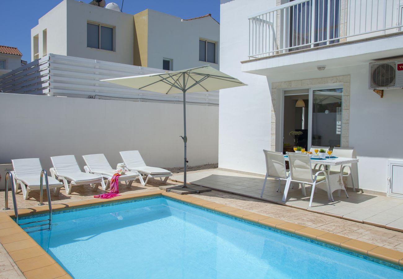 Villa in Protaras - Protaras Villa Clematis Near The Beach
