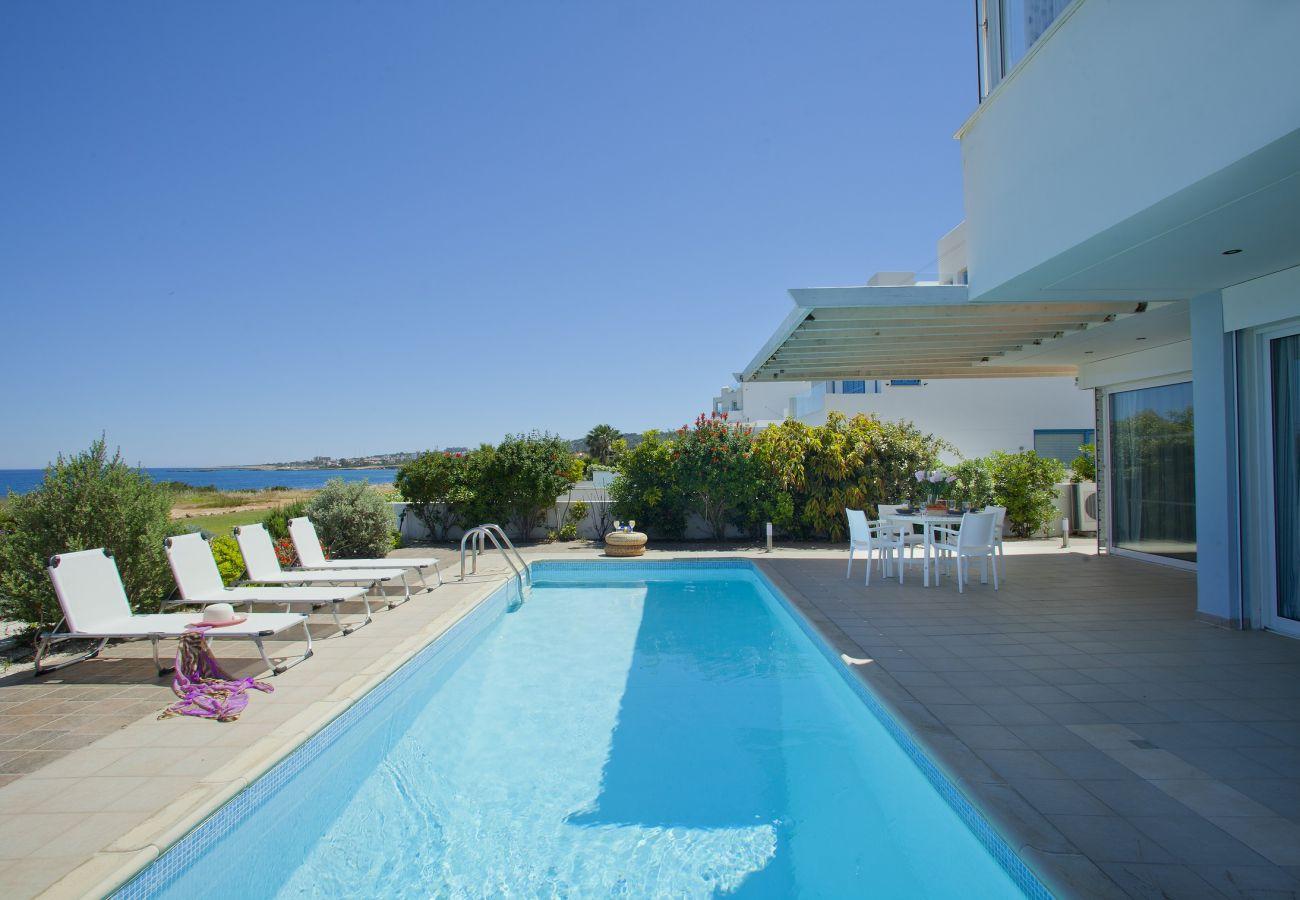 Villa in Protaras - Villa Melissa Selana Front Line Sea View