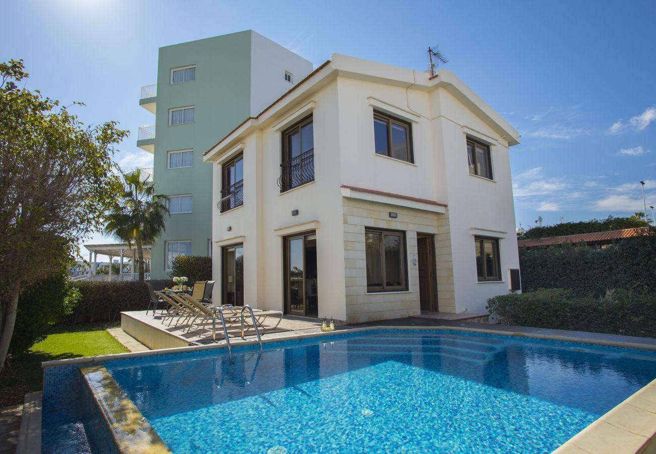Villa in Protaras - Protaras Fig Tree Bay Villa Buena Vista