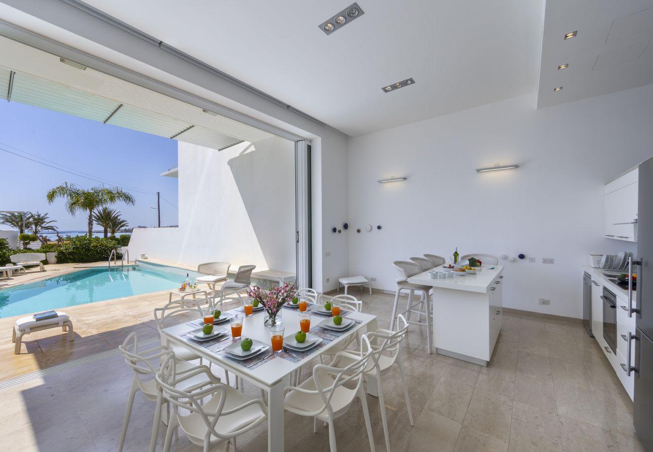 Villa in Protaras - Protaras Fig Tree Bay Sea View Villa Kalena