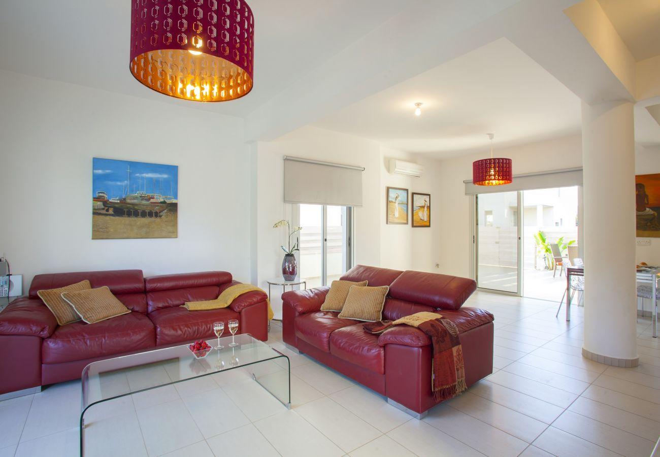 Villa in Protaras - Protaras Villa Posidonas 15 Near The Beach