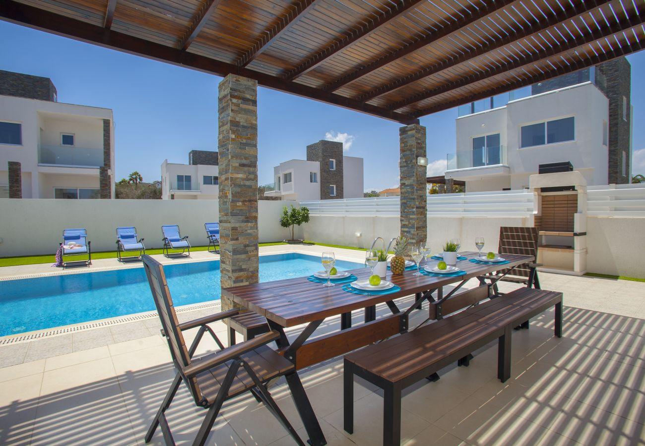 Villa in Protaras - Protaras Villa Anemoni Near Centre