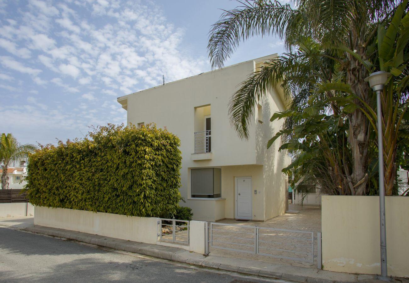 Villa in Protaras - Protaras Villa Sofia Near Fig Tree Bay Beach
