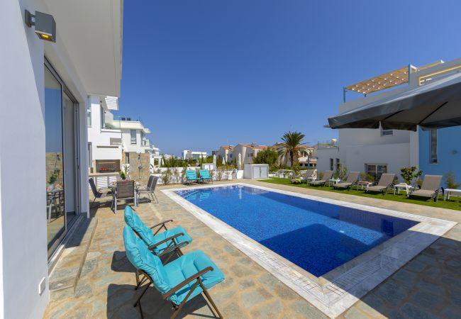 Villa/Dettached house in Protaras - Protaras Seaview Villa Mylos 9