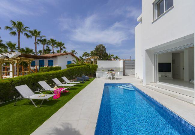 Villa/Dettached house in Protaras - Protaras Villa Piera By The Sea