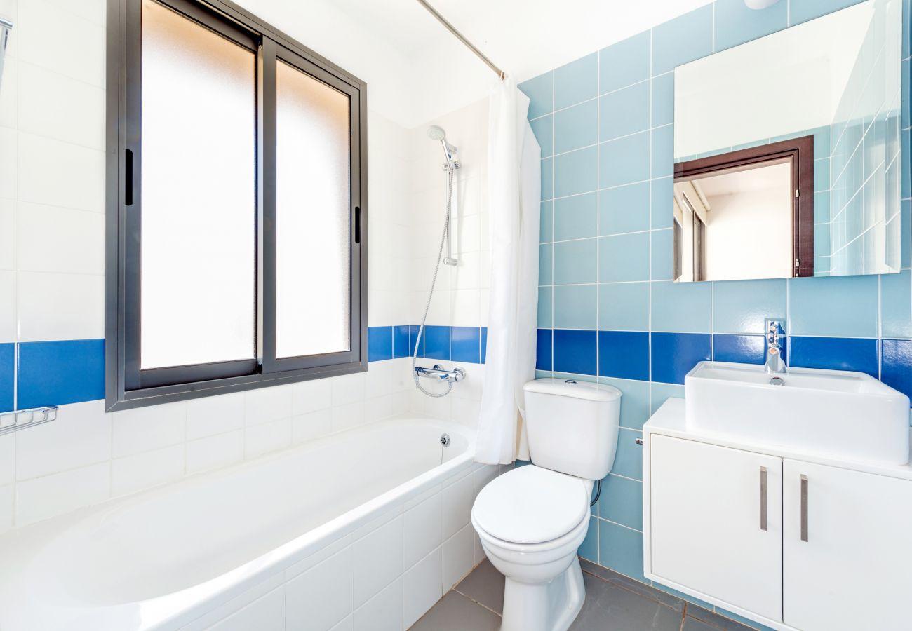 Villa in Latsi - Villa Calypso Sea View With Hot Tub