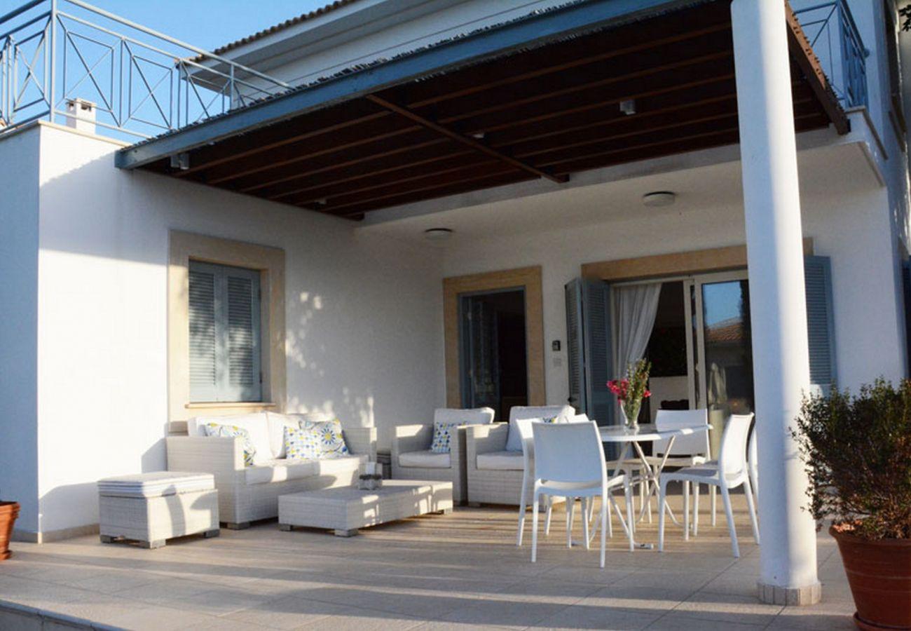 Villa in Latsi - Carob Tree villa near The Centre