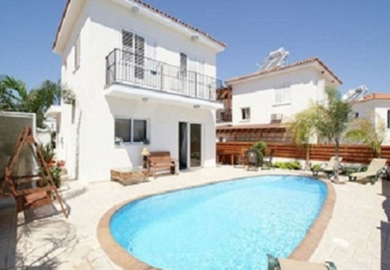 Villa in Protaras - Protaras Villa Dione Near The Beach