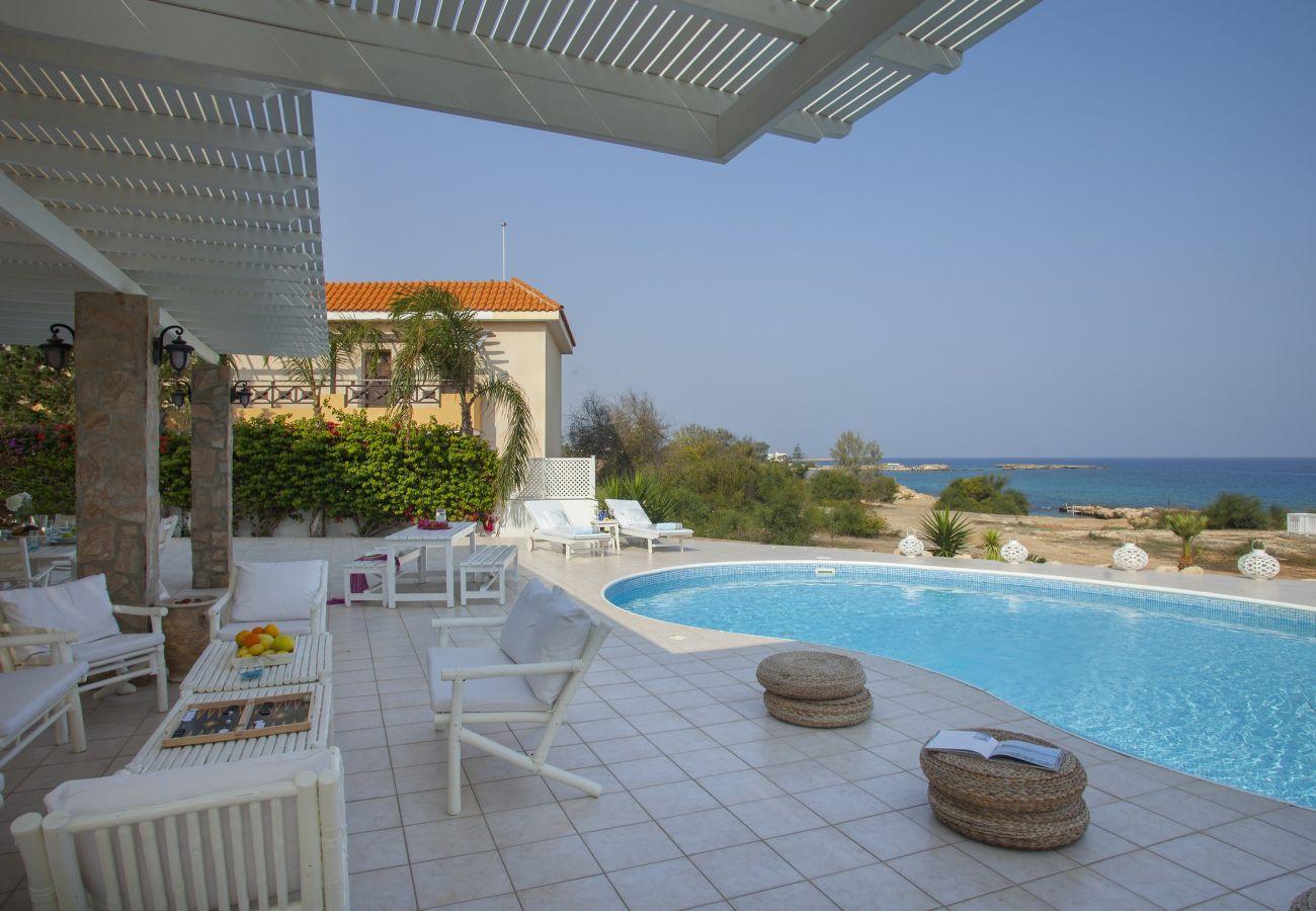 Villa in Protaras - Protaras Seafront Villa Mimosa