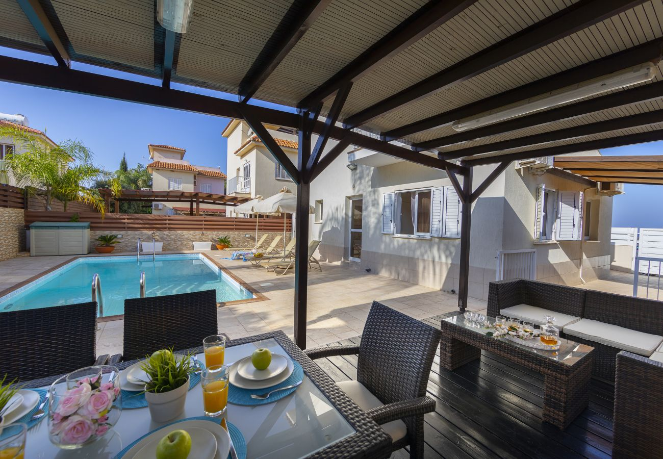 Villa in Protaras - Protaras Villa Knossos 13 Near The Beach