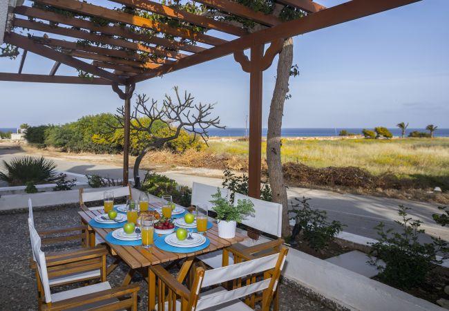 Villa/Dettached house in Protaras - Protaras Green Bay Seaview Villa