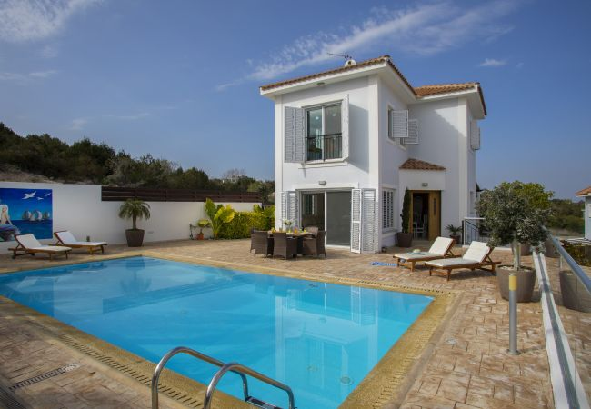 Villa/Dettached house in Protaras - Protaras  Fabulous Villa Jovanna