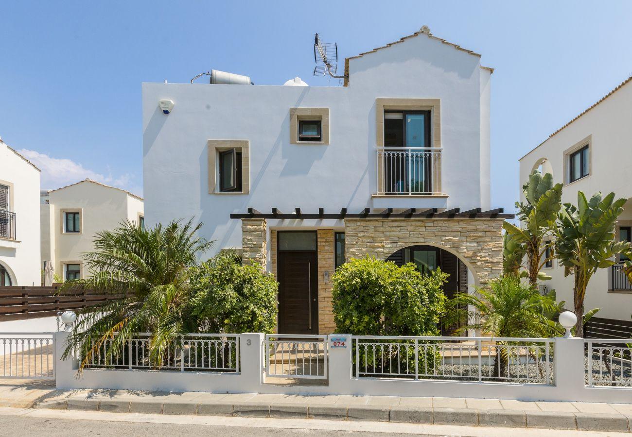 Villa in Protaras - Protaras Villa Alexa In The Centre