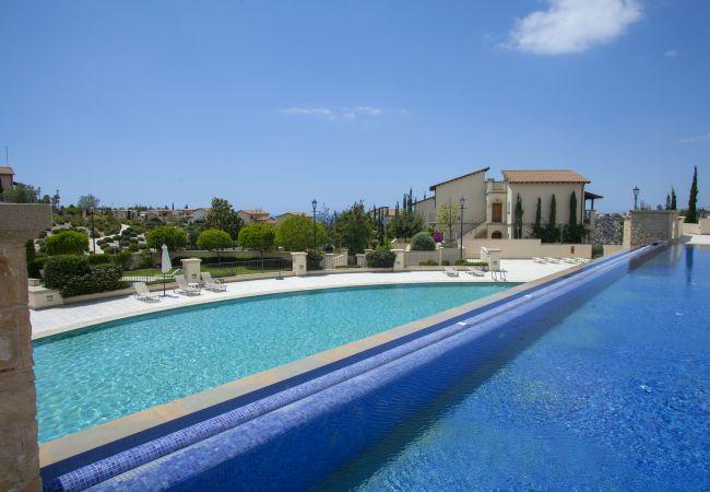 in Pafos - Aphrodite Hills - Apollo Golf Suite