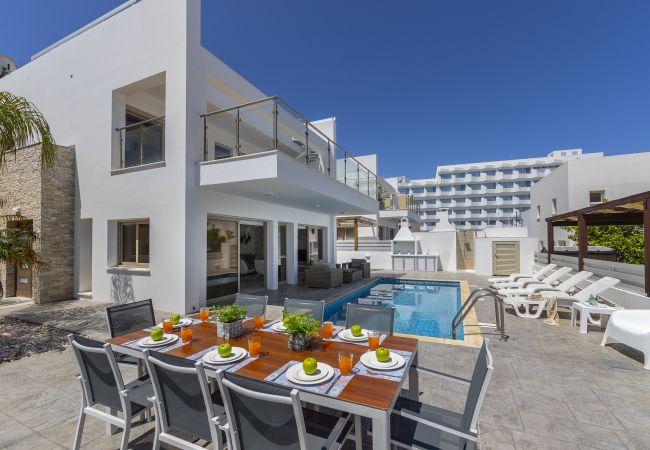 Villa/Dettached house in Protaras - Protaras Sunrise Beach Villa