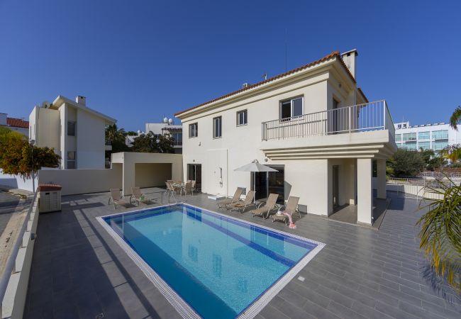 Villa/Dettached house in Protaras - Protaras Villa Theodora 1