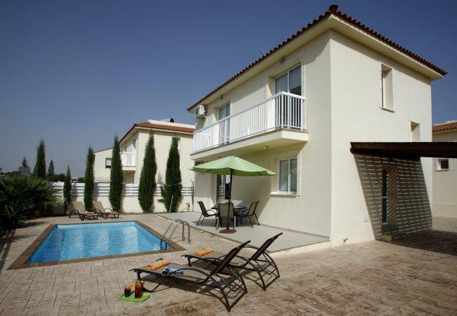 Villa/Dettached house in Protaras - Protaras Villa Dahlia Near The Beach