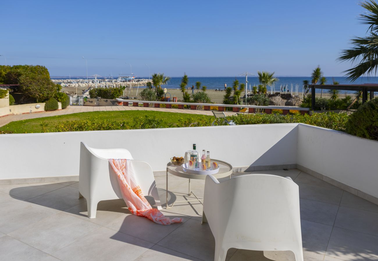 Apartment in Larnaca - Mackenzie Castella Beachfront Suite