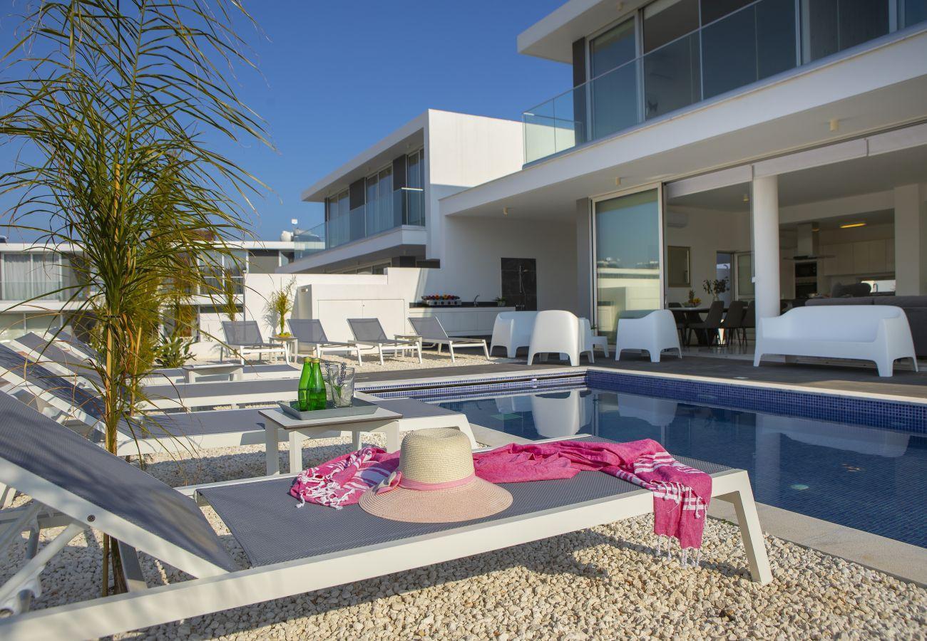 Villa in Protaras - Protaras Olivine Pearl Villa 16 Near Centre