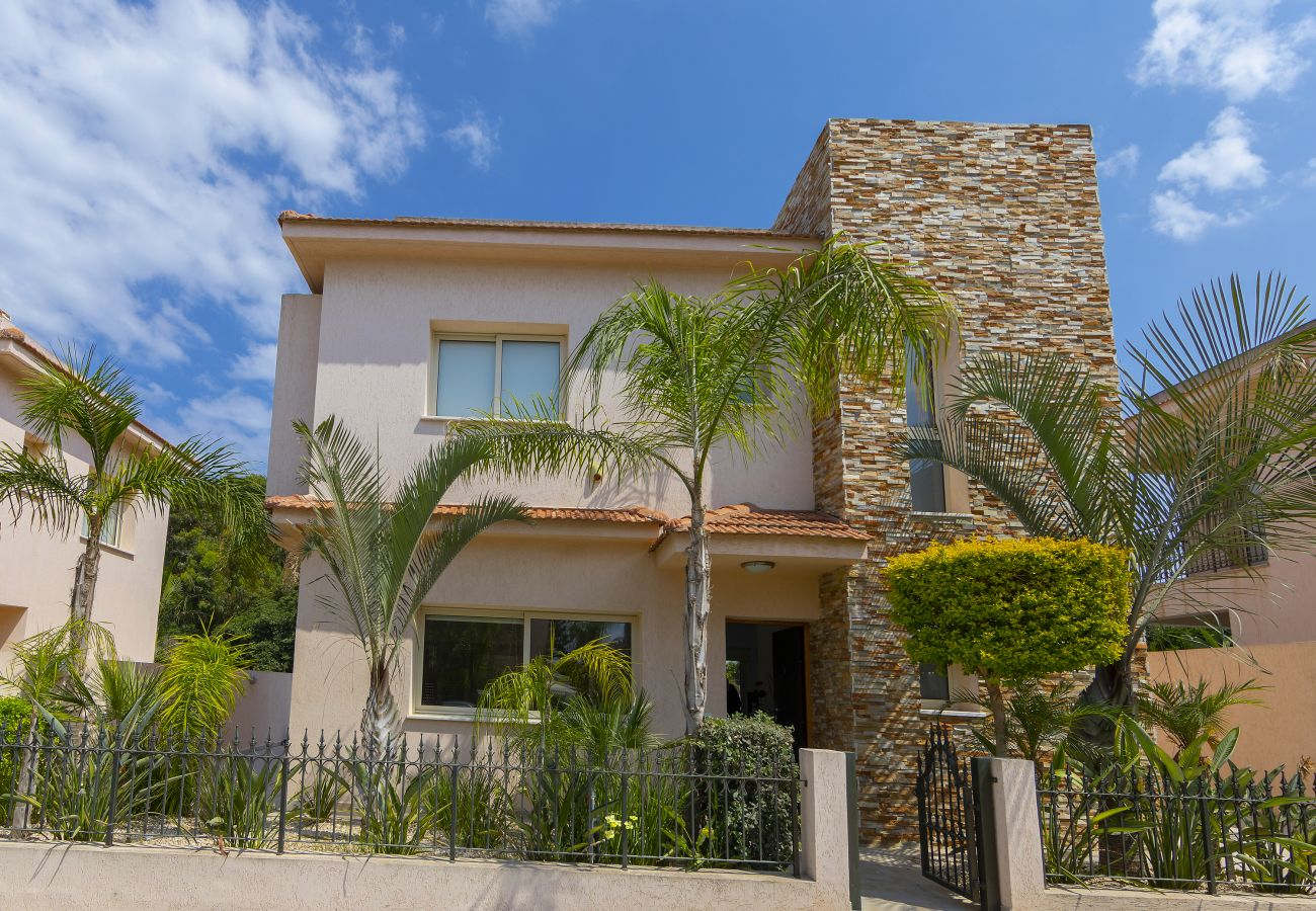 Villa in Protaras - Protaras Villa Michelle 9