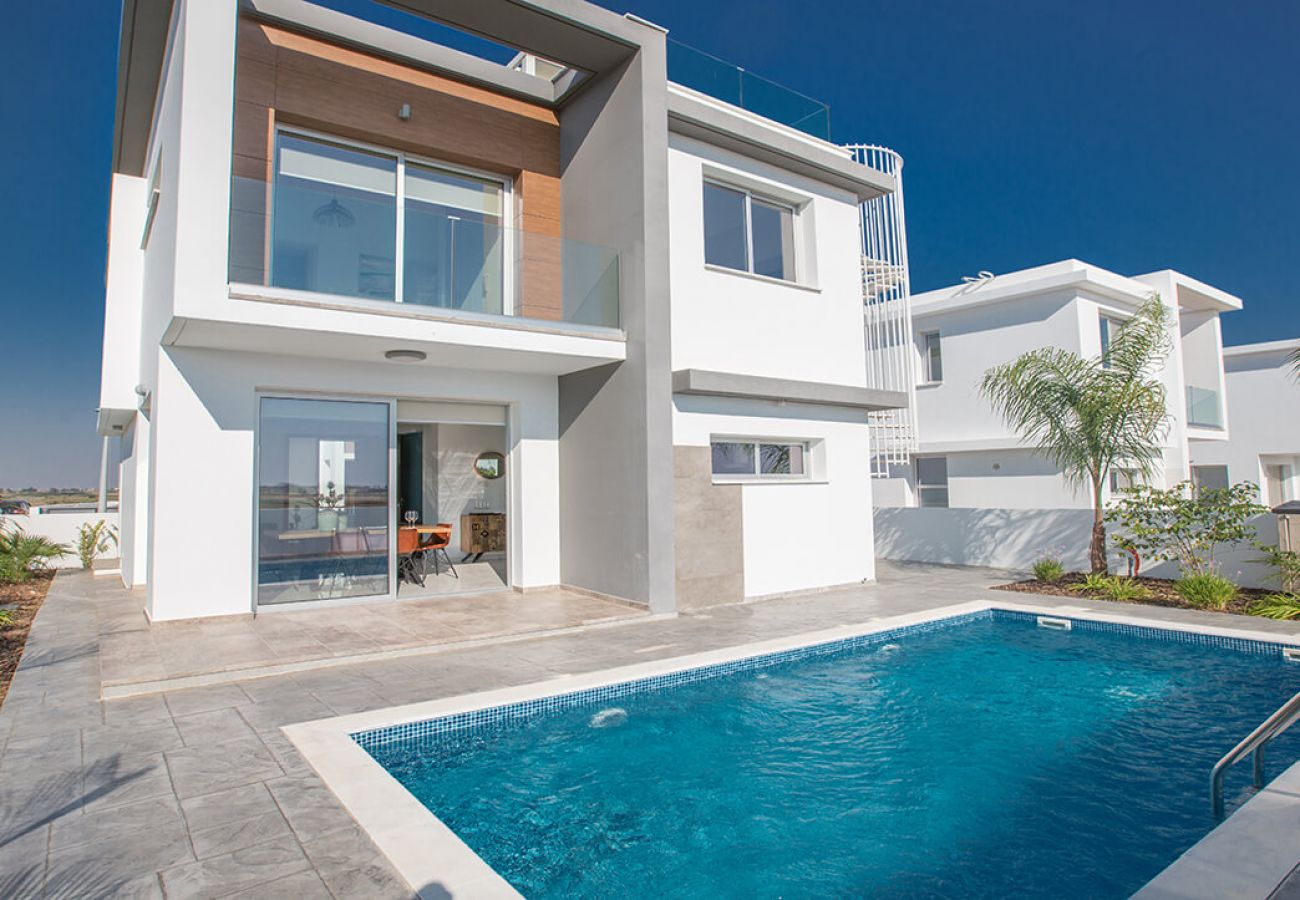 Villa/Dettached house in Paralimni - Kapparis Residence