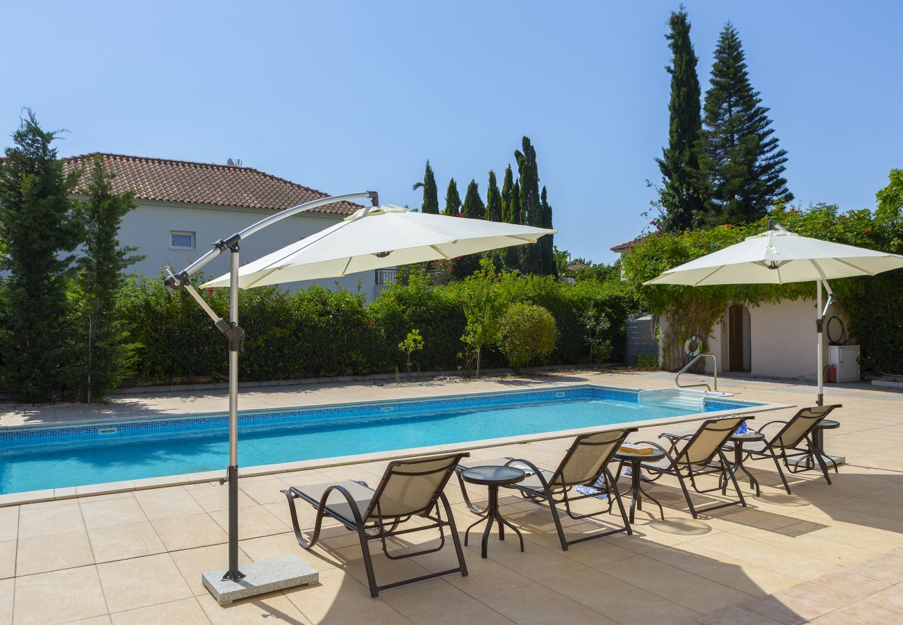 Villa in Larnaca - Meneou Seaside Mansion 7