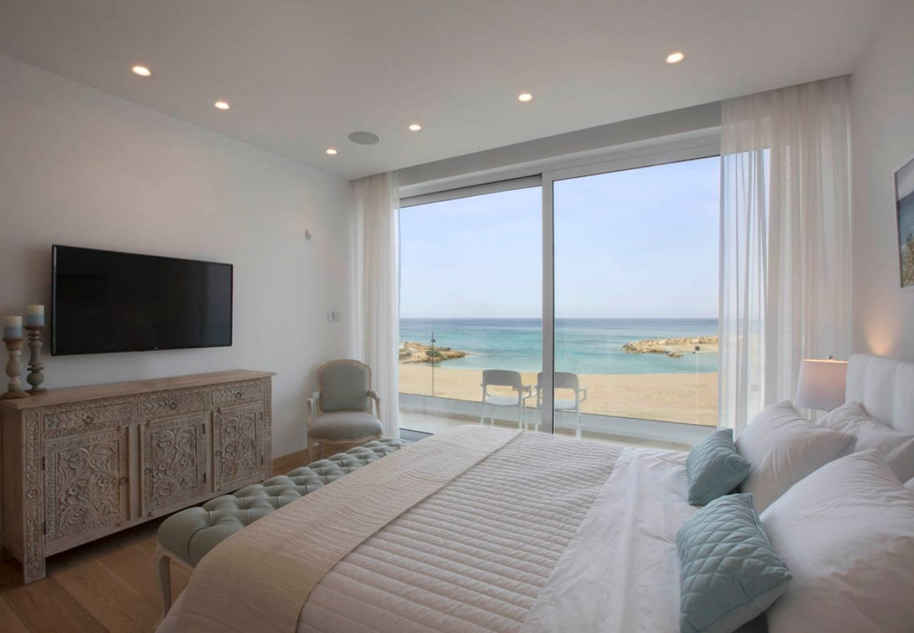 Villa/Dettached house in Protaras - Pernera Beachfront Residence