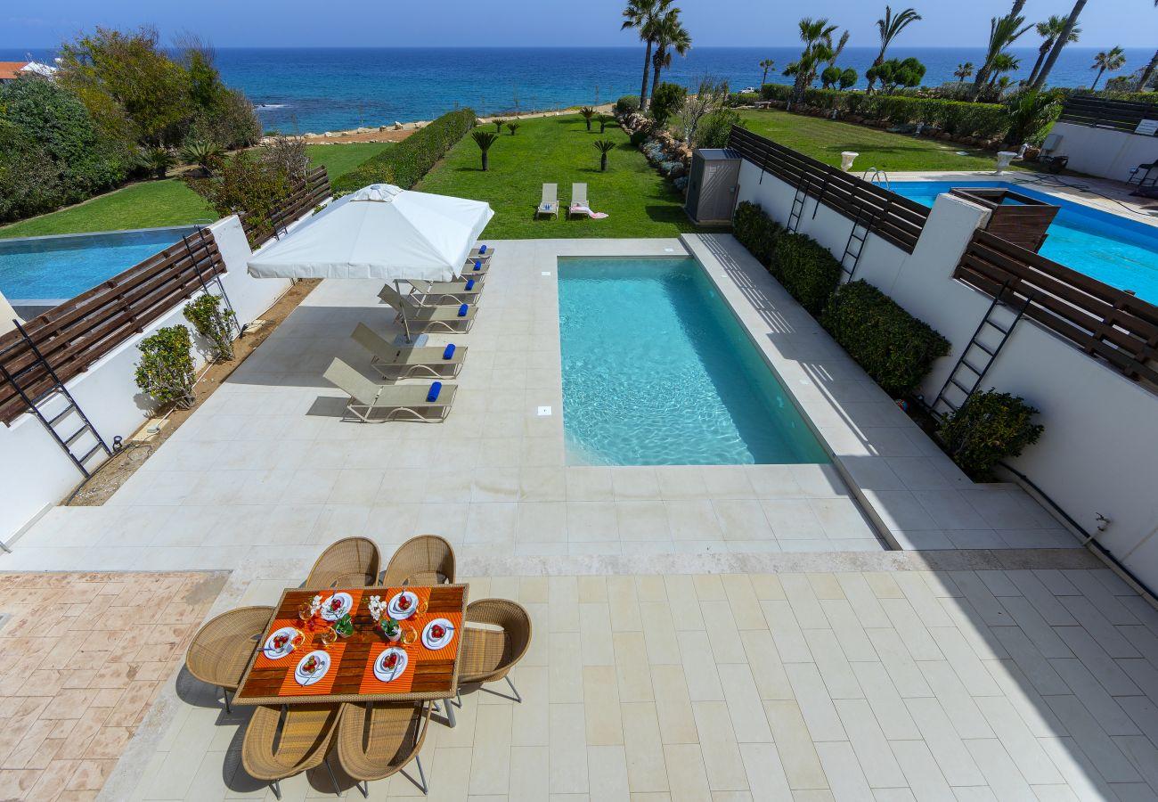 Villa in Protaras - Protaras Beachfront Villa Pietra