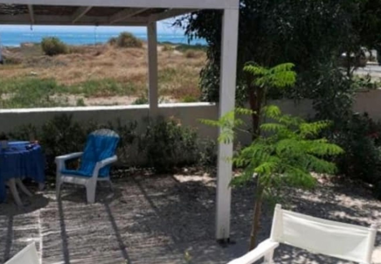 Villa/Dettached house in Larnaca - Seaside Pervolia