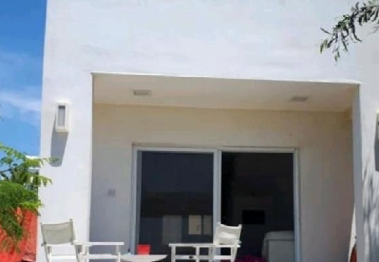 Villa/Dettached house in Larnaca - Seaside Pervolia