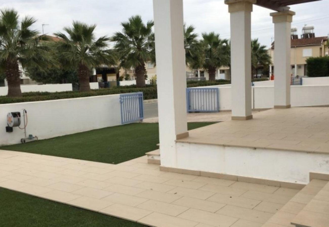 Villa/Dettached house in Larnaca - Seaside Pervolia V2