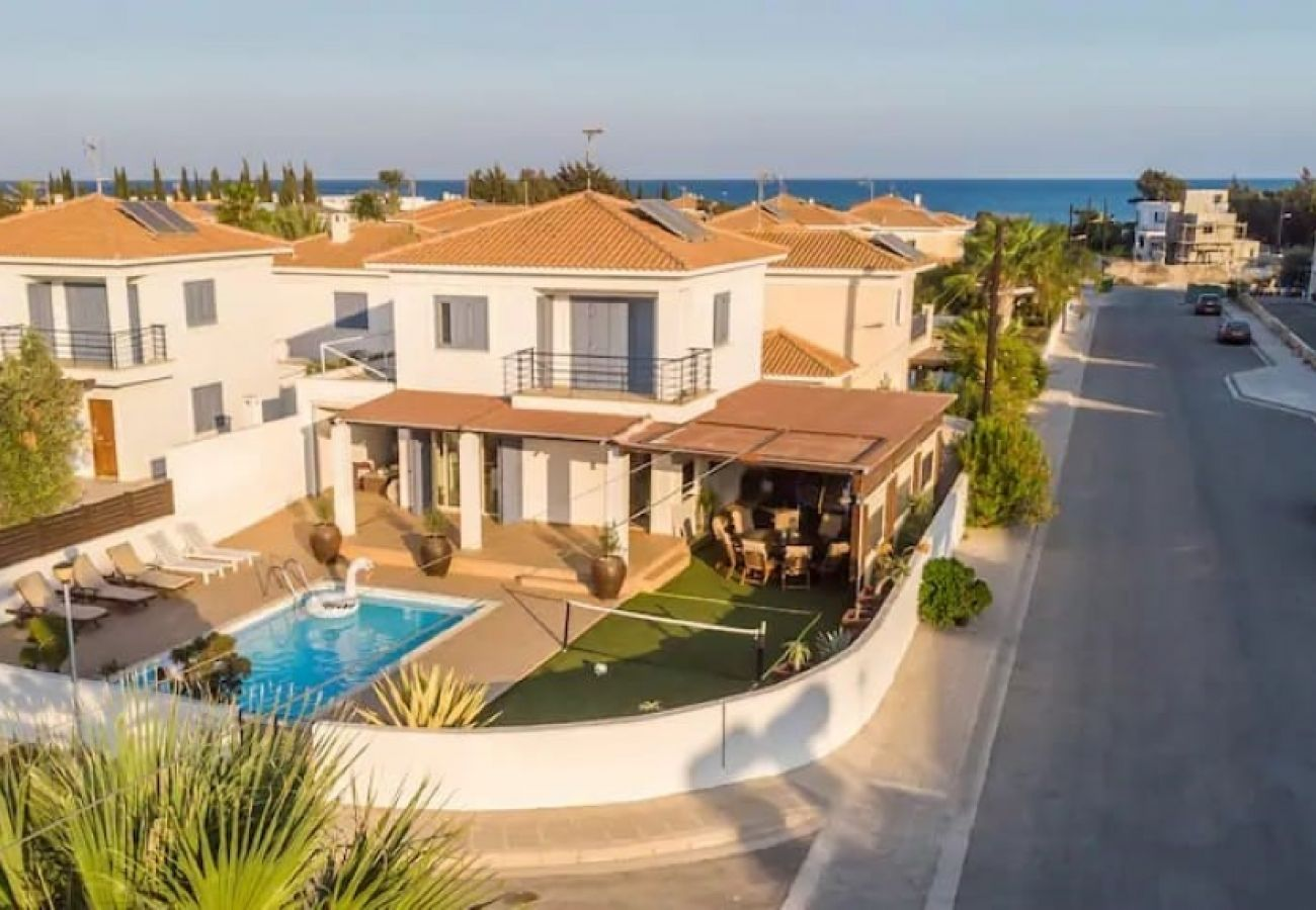 Villa/Dettached house in Larnaca - Seaside Pervolia V3