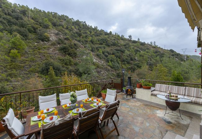 Villa/Dettached house in Amiantos - Troodos Riverside Cottage