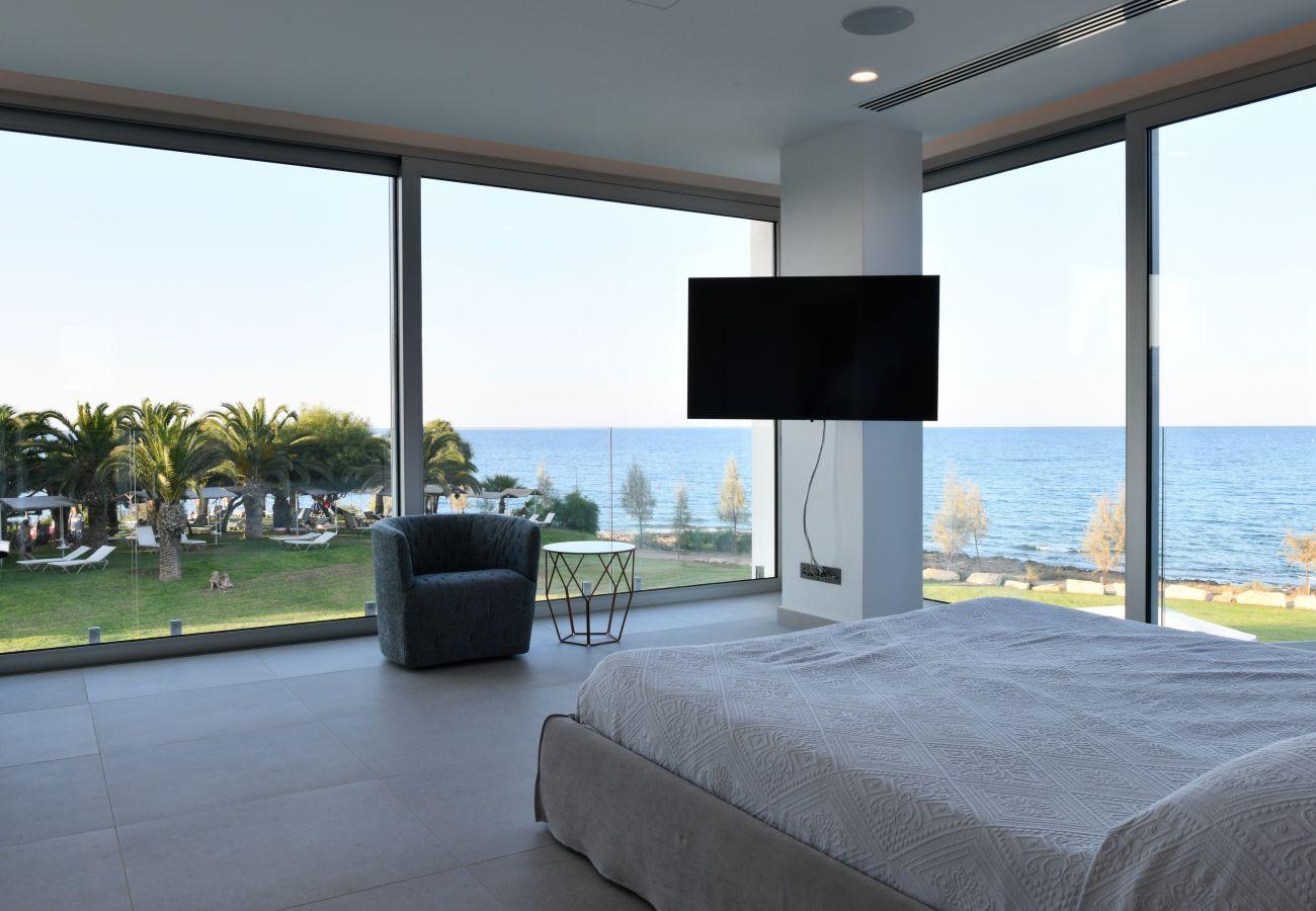 Villa in Protaras - Protaras Seafront Villa Zeus
