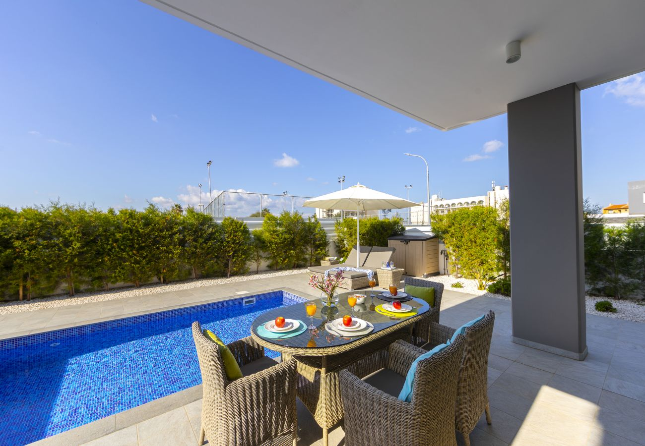 Villa in Protaras - Pernera Beach Villa